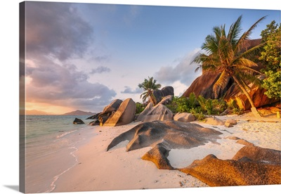 East Africa, Indian Ocean, Seychelles, Palm Beach With Typical Granite Rock Formations