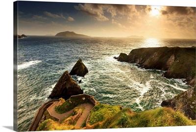 Europe, Northern Europe, Ireland, Kerry, Dingle, Dunquin pier at sunset