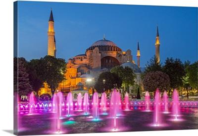 Fountain light show with Hagia Sophia behind, Sultanahmet, Istanbul, Turkey