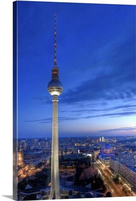 Germany, Berlin, Alexanderplatz, TV Tower (Fernsehturm)