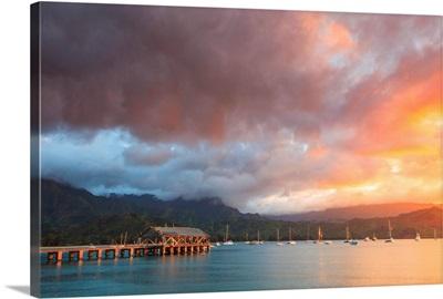 Hawaii, Kauai, Hanalei Bay and Pier