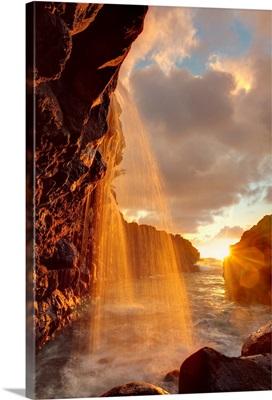 Hawaii, Kauai, Queen's Bath and waterfall