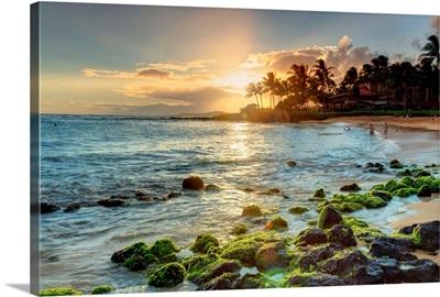 Hawaii, Kauai, The Luxurious resort area of Poipu Beach