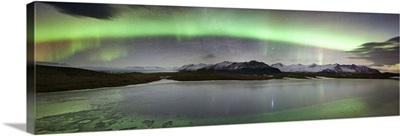 Iceland, South Iceland, Aurora Borealis in Jokulsarlon lagoon