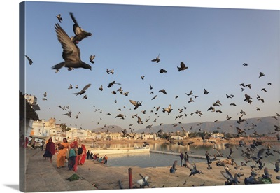 India, Rajasthan, Pushkar Holy Town, Bathing Ghats on the Lake