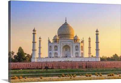 India, Taj Mahal Memorial At Sunset