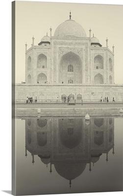 India, Uttar Pradesh, Agra, Taj Mahal reflected in one of the bathing pools