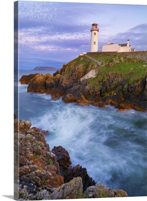Ireland, County Donegal, Fanad, Fanad lighthouse at dusk