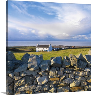 Ireland, County Donegal, Fanad, House and stone wall