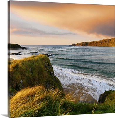 Ireland, County Donegal, Inishowen, Doagh beach at dusk