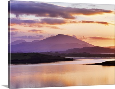 Ireland, County Donegal, Mount Errigal and Mulroy bay at sunset