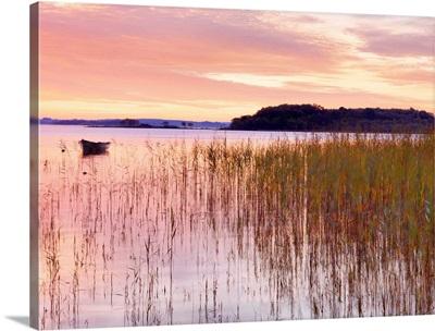 Ireland, County Mayo, Lough Conn at sunrise