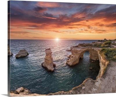 Italy, Apulia, Salento, Torre S. Andrea Limestone Cliffs