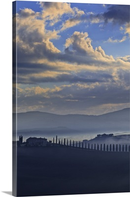 Italy, Tuscany, Siena district, Orcia Valley. Typical countryside