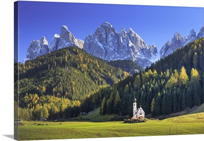 Italy, Val di Funes, Ranui Church with Puez Odle Dolomites Group in the Background