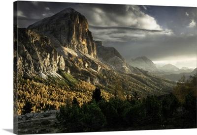 Italy, Veneto, Cortina d'Ampezzo, Dolomites, Sunrise From Tofana Di Rozes Mountains