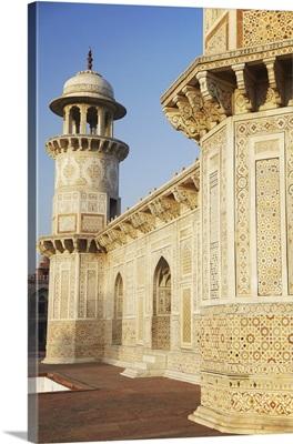 Itimad-ud-Daulah (tomb of Mizra Ghiyas Beg), Agra, Uttar Pradesh, India