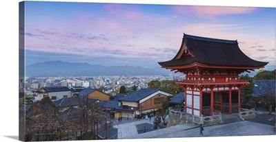 Japan, Kyoto, Higashiyama District, Kiyomizu-dera Temple, The Deva gate