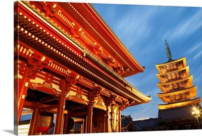 Japan, Tokyo, Asakusa, Asakusa Kannon Temple, Hozomon Gate and Temple Pagoda