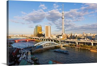 Japan, Tokyo, city skyline and Skytree on the Sumida River