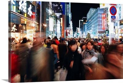 Japan, Tokyo, Crowds on Chuo Dori Street, shopping district