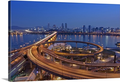 Korea, Seoul, Traffic on Cheongdam On-Ramp and Cheongdam bridge