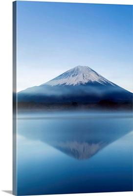 Lake Shoji and Mt Fuji, Fuji Hazone Izu National Park, Japan
