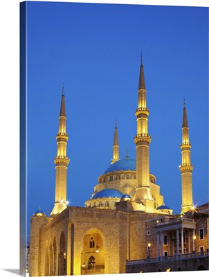 Lebanon, Beirut, Mohammed Al-Amin Mosque at dusk