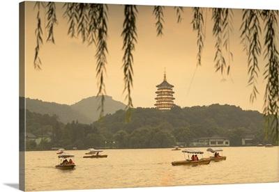 Leifeng Pagoda at dusk, West Lake, Hangzhou, Zhejiang, China