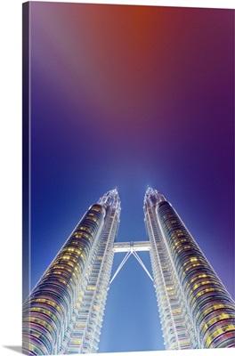 Malaysia, Kuala Lumpur, Petronas Towers, Low view at night