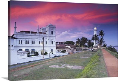 Meeran Jumma Mosque and lighthouse at sunset, Galle, Southern Province, Sri Lanka