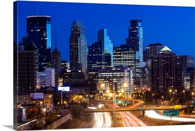 Minnesota, Minneapolis, city skyline from interstate highway I-35W