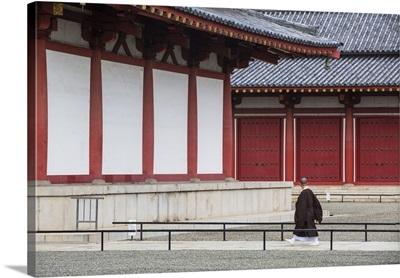 Monk at Shitenno-ji temple, Tennoji, Osaka, Kansai, Japan