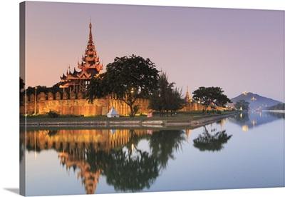 Myanmar, Mandalay, Moat and city fortress walls