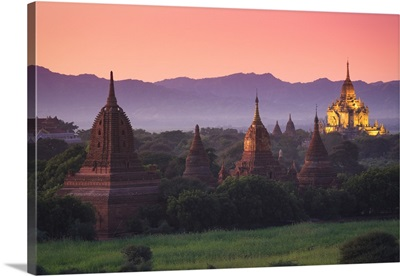 Myanmar, Temples of Bagan, Thatbynnyu Pagoda