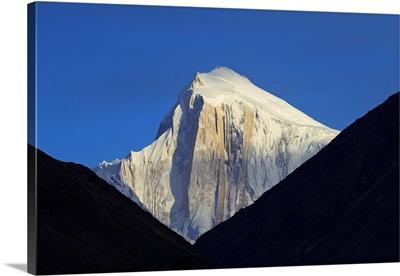 Pakistan, Gilgit-Baltistan, Hunza Valley, Karimabad, Golden Peak