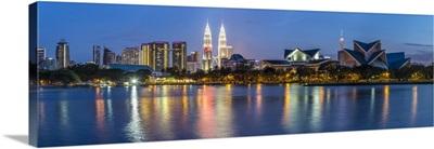 Petronas Towers and city skyline, Lake Titiwangsa, Kuala Lumpur, Malaysia