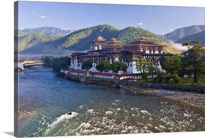 Punakha Dzong at the convergence of two rivers Mo Chhu and Pho Chhu, Punakha, Bhutan
