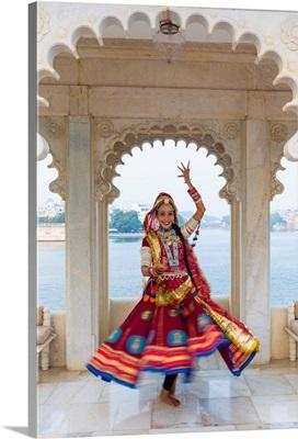 Rajasthani Dancer, Taj Lake Palace, Lake Pichola, Udaipur, Rajasthan, India
