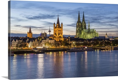 River Rhine, and Cathedral, Cologne, North Rhine Westphalia, Germany