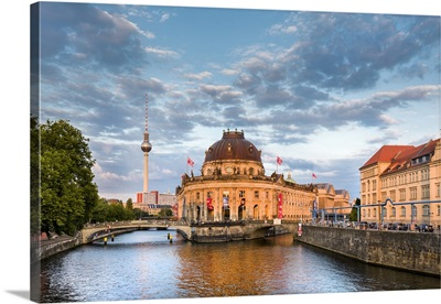 River Spree, Bode Museum and TV tower, Museum Island, Berlin, Germany