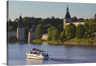 Russia, Pskovskaya Oblast, Pskov of Pskov Kremlin from the Velikaya River