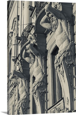 Russia, St. Petersburg, Beloselsky-Belozersky Palace building sculptures