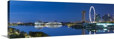 Singapore Flyer, Gardens by the Bay and Marina Bay Sands Hotel at dawn, Singapore