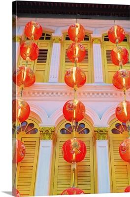 Singapore, Singapore City, Chinatown, Lanterns at dusk