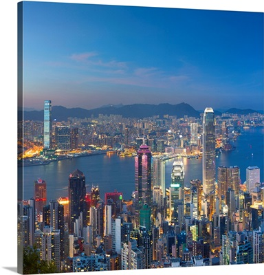 Skyline Of Hong Kong Island And Kowloon From Victoria Peak At Dusk, Hong Kong