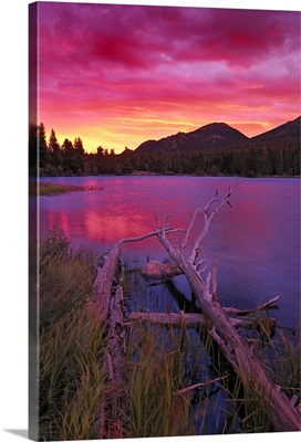 Sprague Lake at sunrise in the Rocky Mountain National Park, Colorado