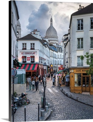 Streets of Montmartre with Sacre Coeur Basilica in the background, Paris, France