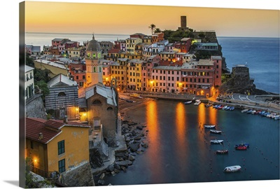 Sunrise of the picturesque sea village of Vernazza, Cinque Terre, Italy