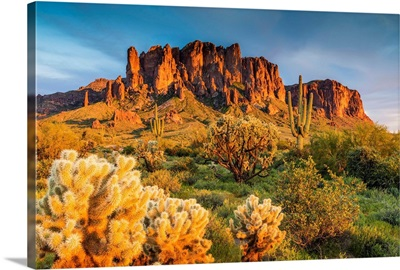 Superstition Mountains, Phoenix, Arizona, Usa